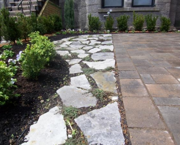 Walkways le paysagiste montreal Natural stone walkways