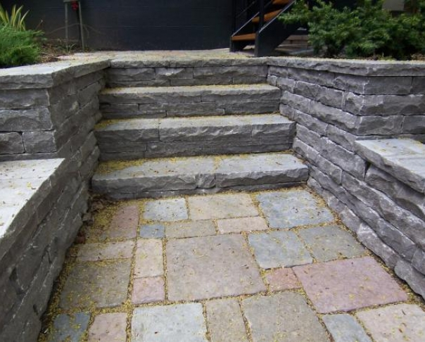 Cut stone steps - St-Marc stone