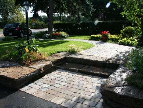 Allée de Pavé uni et marches de pierre taillée - Grandes pierres taillées sur mesure Ville-Mont-Royal , Le Paysagiste