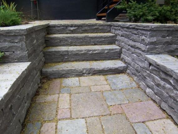 Escalier de pierre taillée - Pierre St-Marc