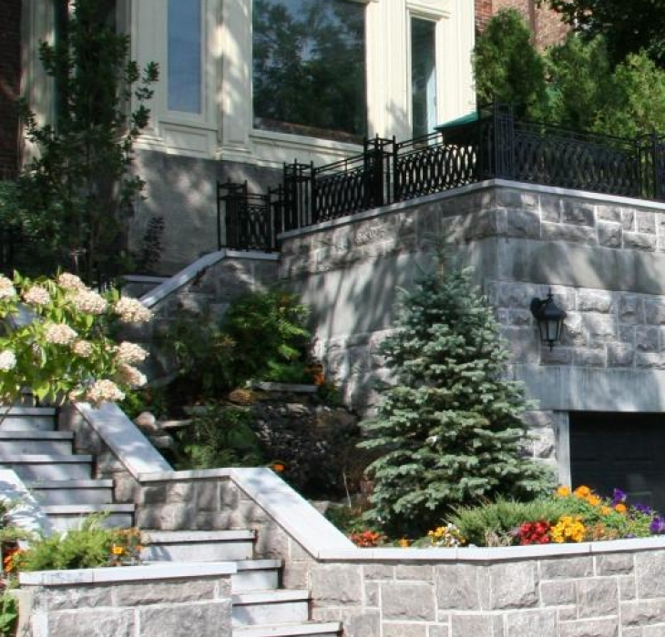 Hand cut stone construction - Saint-Marc stone